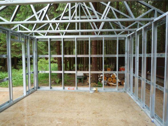 Строительство гаража из сэндвич-панелей