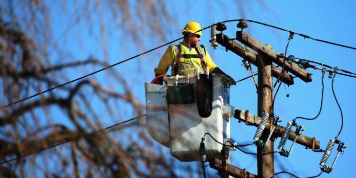 Как подключить земельный участок к электросети?