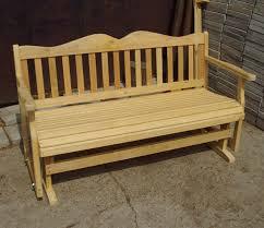 Недорогая садовая скамейка