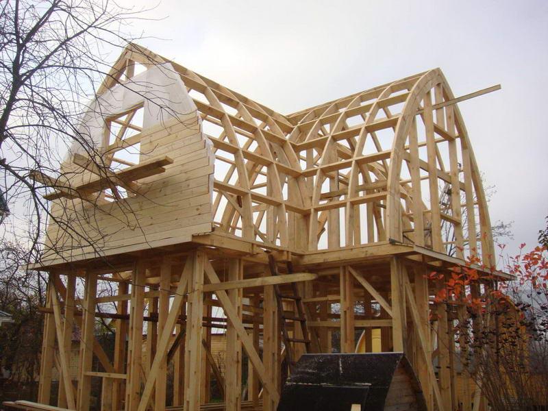 Обшивка и отделка фронтона деревянного дома