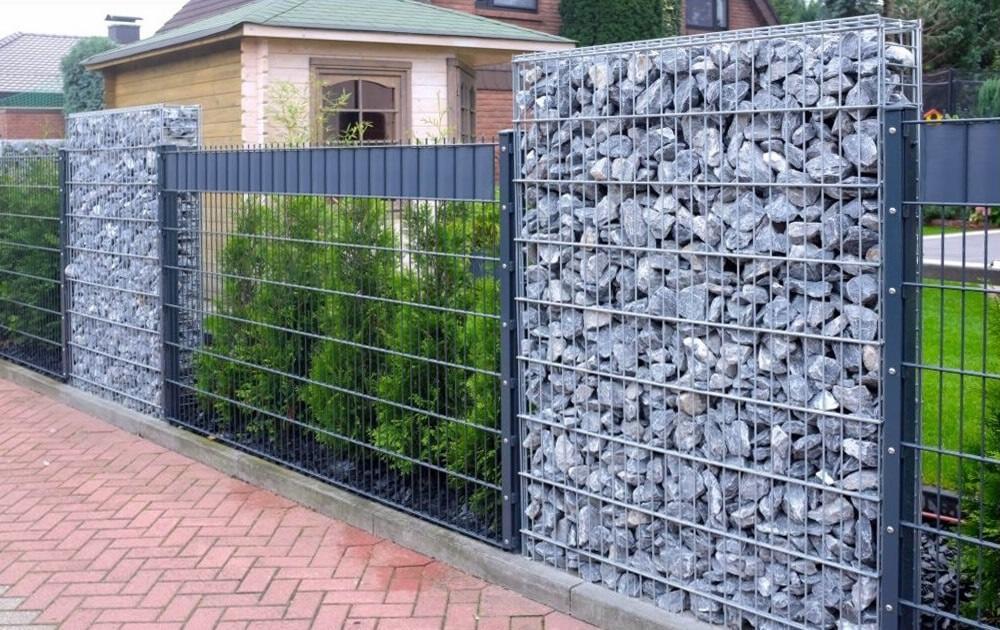 Садовая ограда из габионов