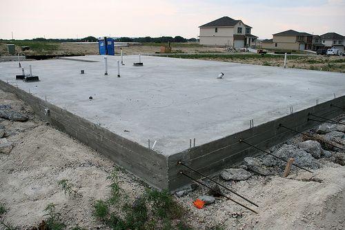 Основные ошибки при строительстве фундамента