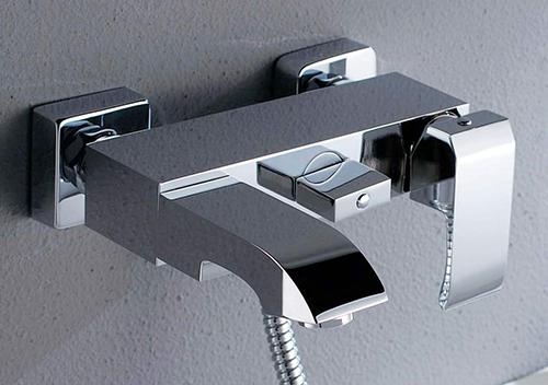 Смесители для ванной комнаты от Евросант.