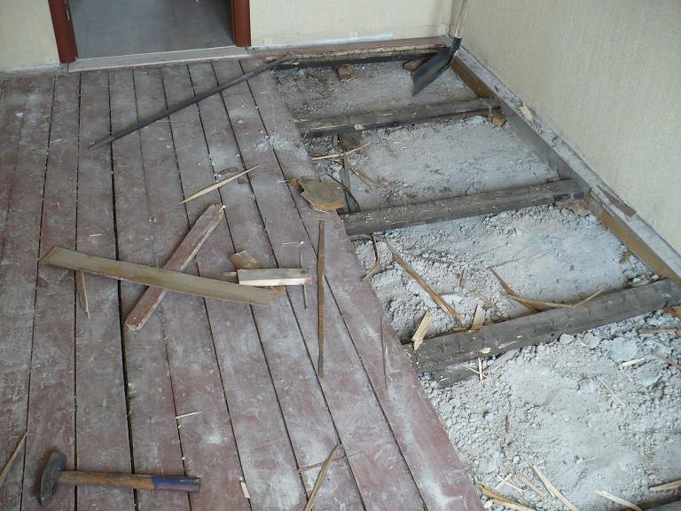 Заливка бетонной стяжки на деревянный пол