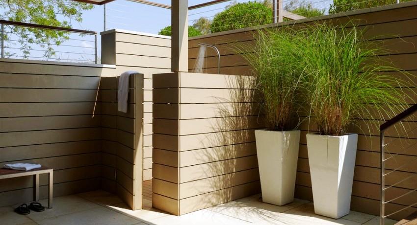 Особенности строительства летнего душа на даче