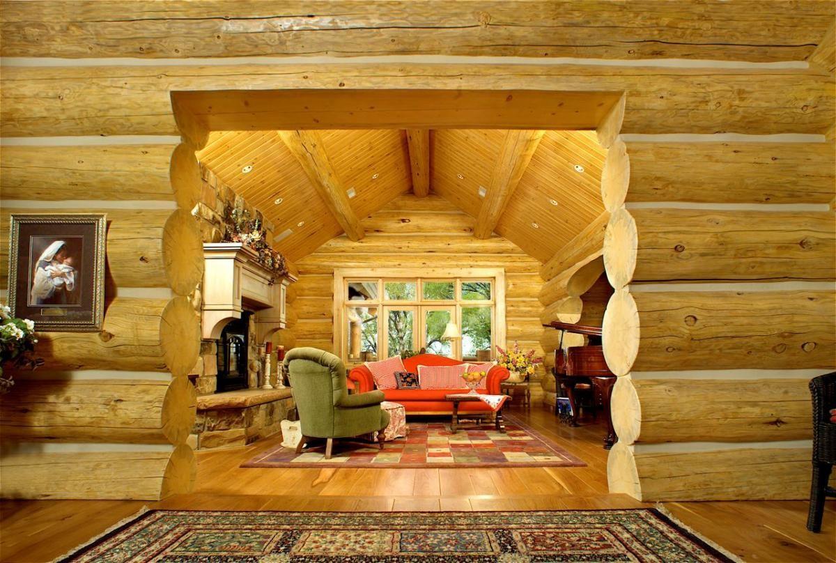 Дизайн гостиной в доме из бруса