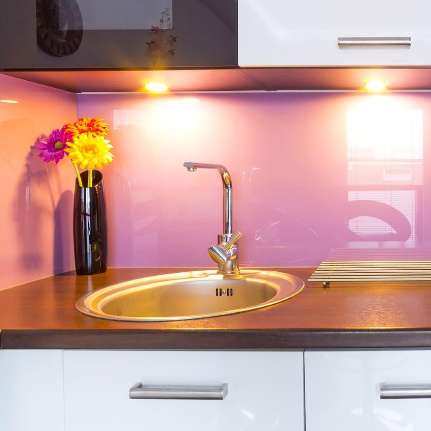 Панели для кухни: практичное и красивое оформление стен и фартука