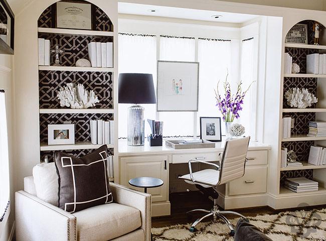 Дизайн красивого кабинета для женщины