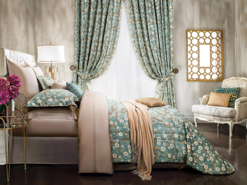 Интерьер спальни: как выбрать подушку и постельное белье?