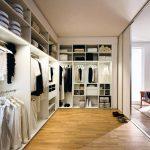 Как обустроить гардероб для мужчины