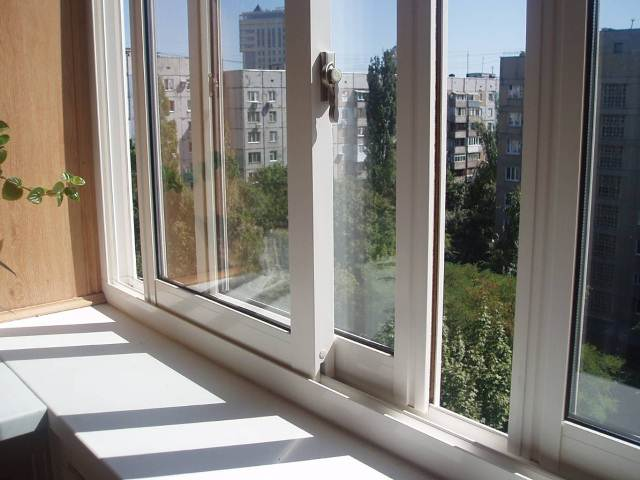 Почему пластиковые окна пользуются таким успехом в остеклении?