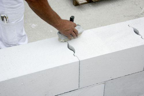 Особенности кладки стен из газобетона
