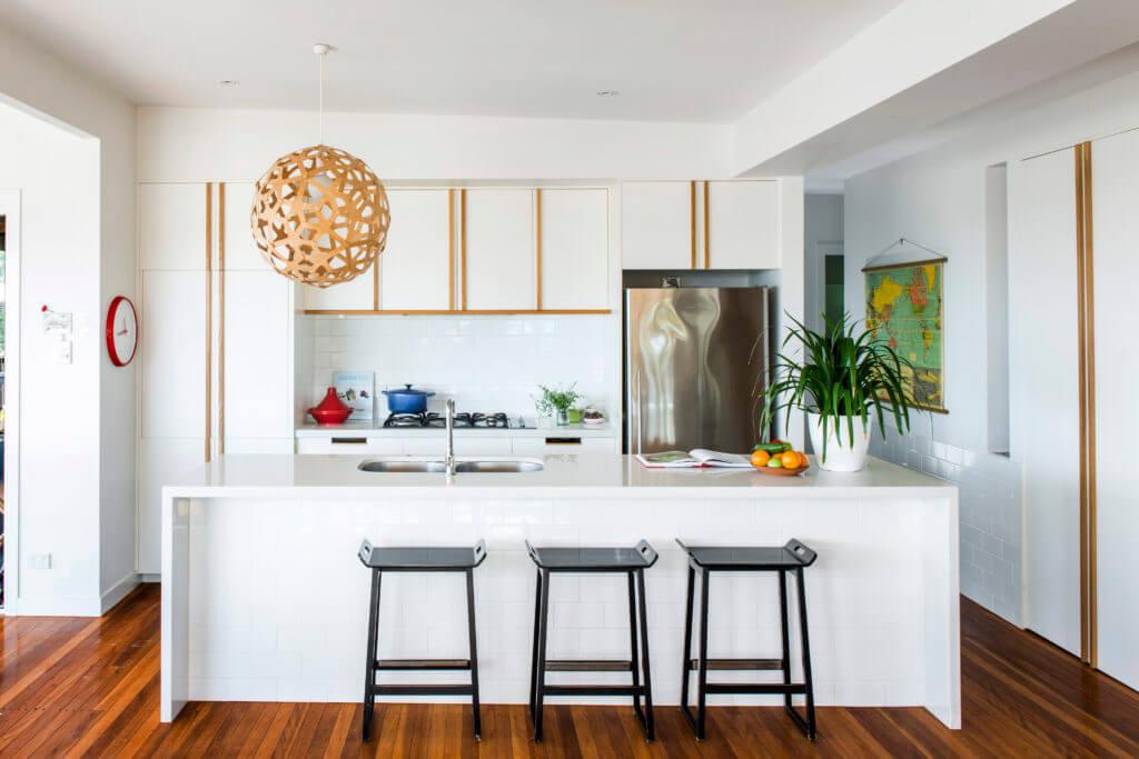 Как превратить тесную кухню в просторную студию