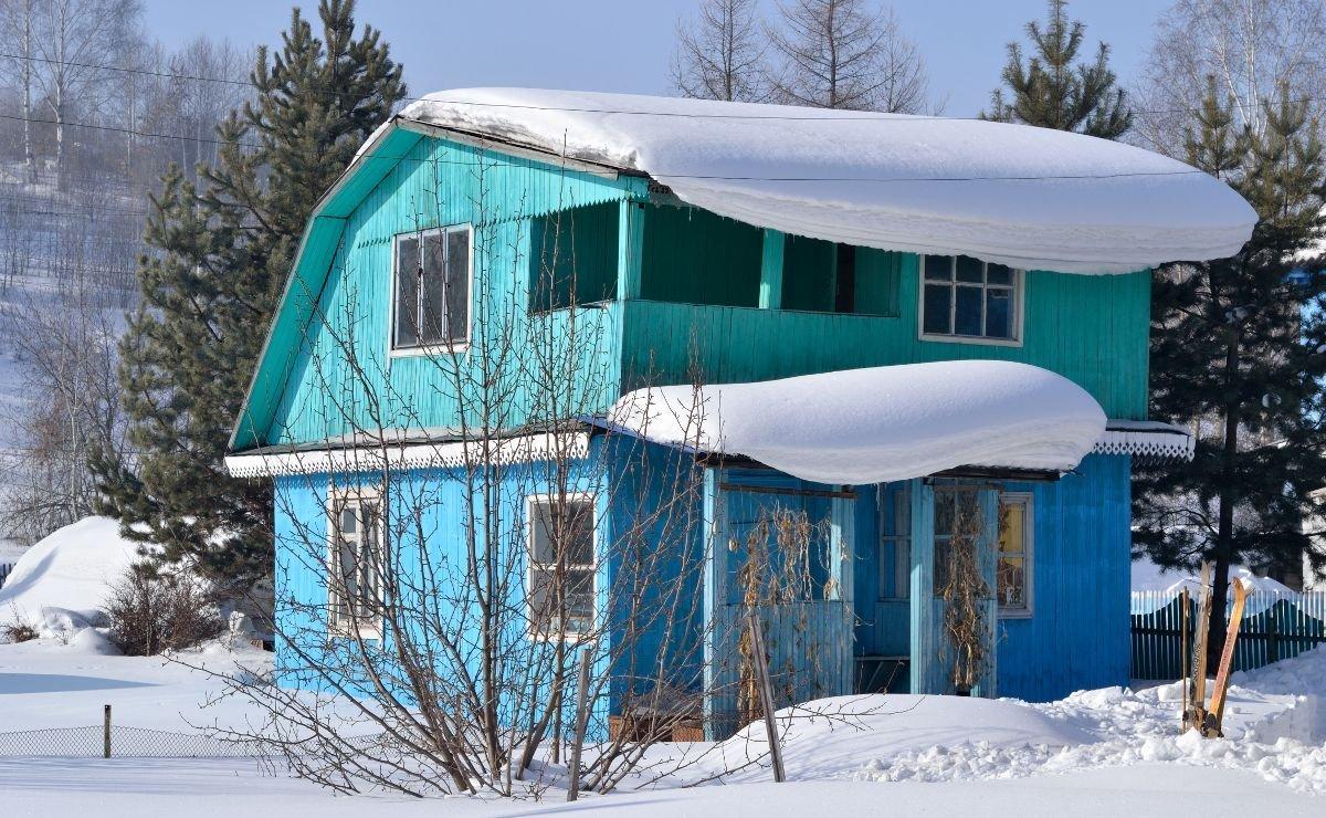 Может ли новый собственник выписать из дома старого?