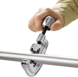 Правила использования трубореза для металлически труб