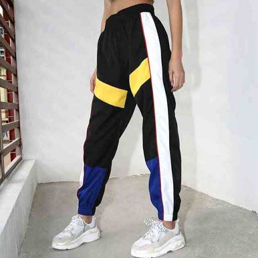 Спортивные брюки — женская одежда