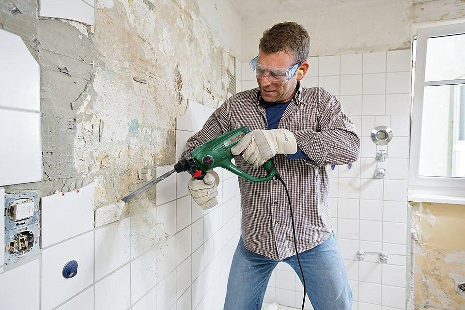 Что выбрать: ремонт своими руками или с помощью профессионала?