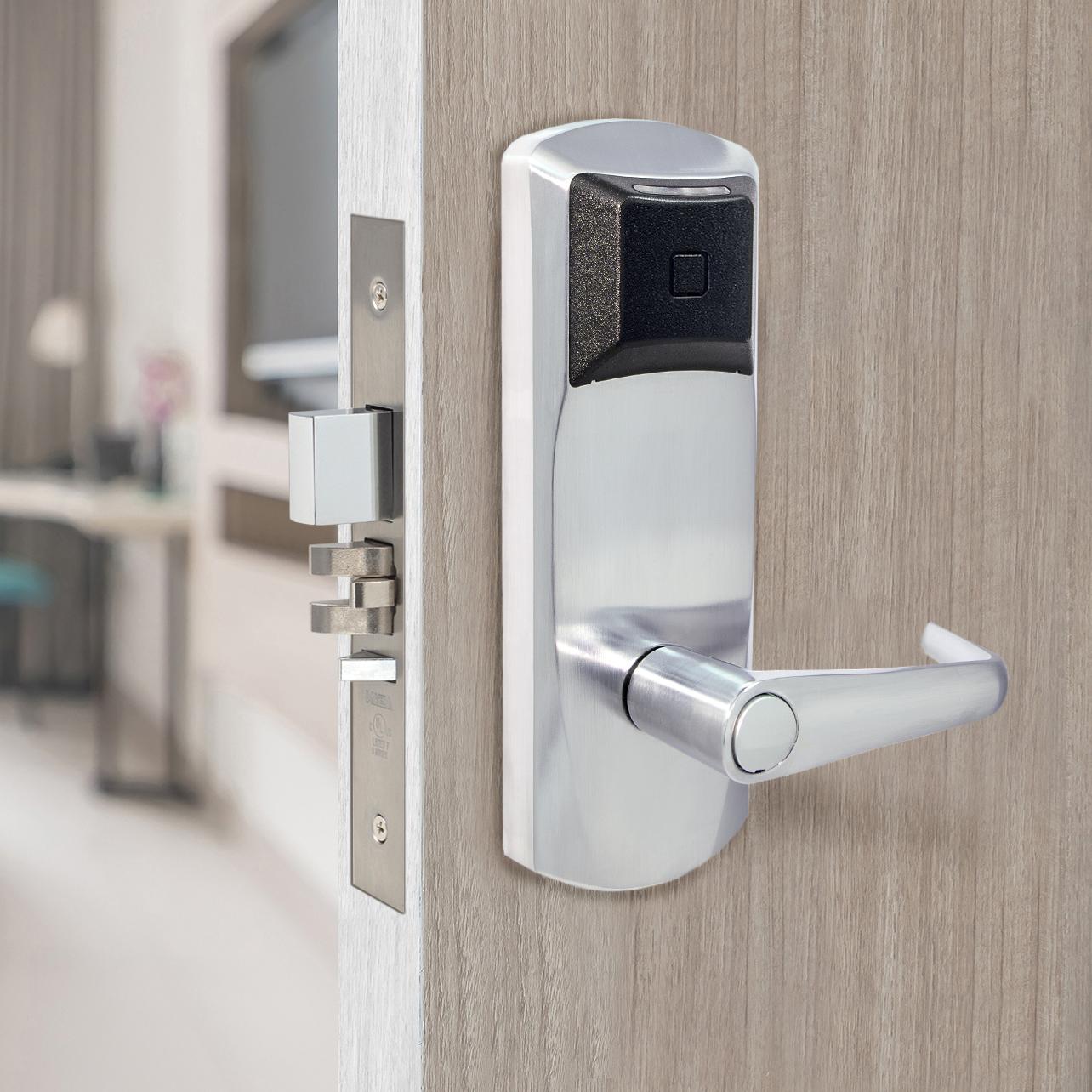 Почему стоит отдавать предпочтение электронным дверным замкам для гостиниц?