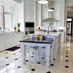 Керамическая плитка для оформления интерьера гостиной