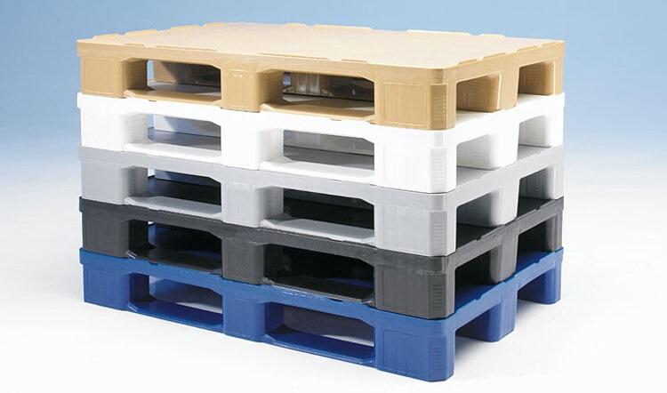 Пластиковые паллеты: разумная альтернатива деревянным поддонам