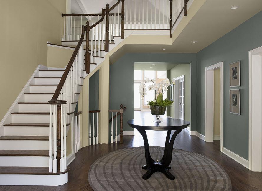 Выбираем лестницу под стиль дома