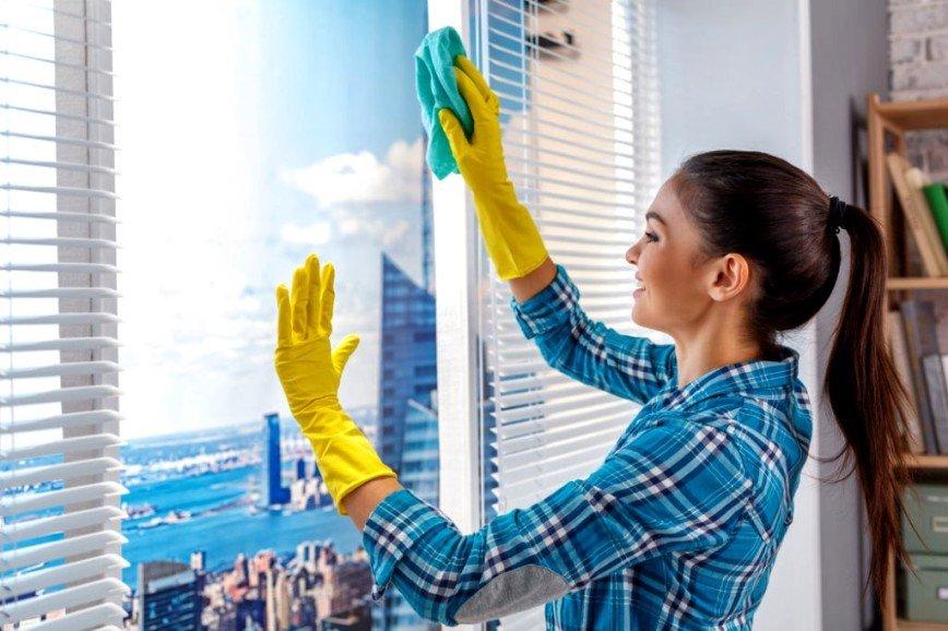 Как быстро и качественно вымыть окна без разводов и ворсинок