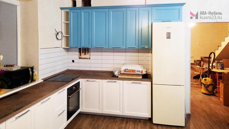 Цветные кухни в интерьере: 6 вариантов