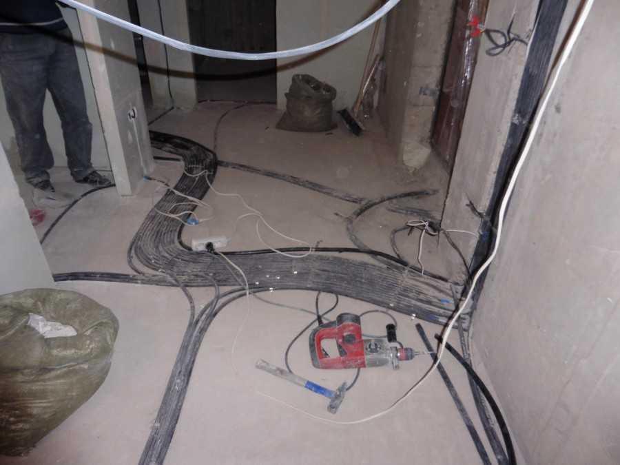 Использование скрытой ретропроводки в интерьере квартиры: советы ElectroDecor