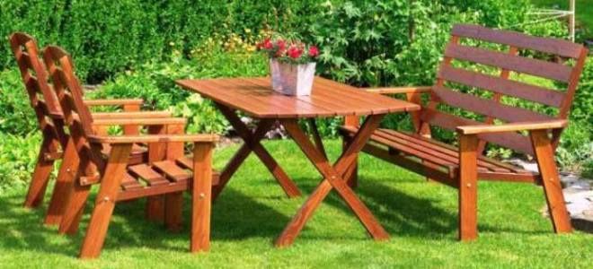 Стол для сада — какой вариант выбрать?